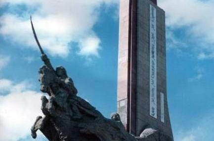 百灵庙抗日纪念碑