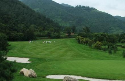 西安亚建高尔夫球场