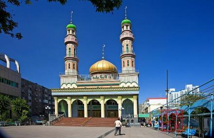 新疆乌鲁木齐市天山区解放路南端