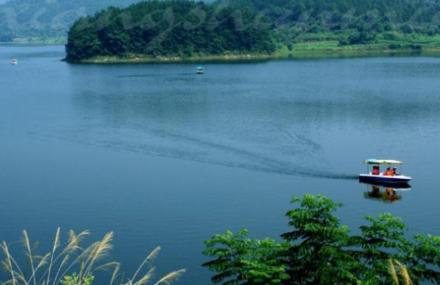 仙龙湖度假区