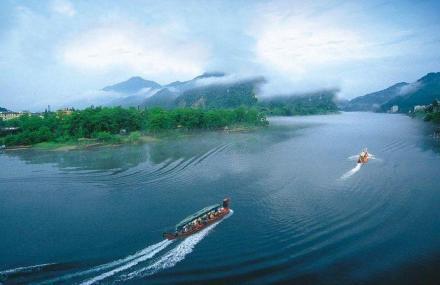 新安江龙舟漂流