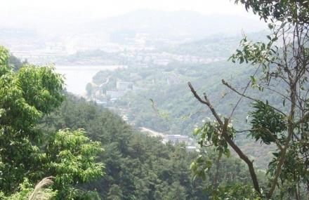 北峰卧龙谷