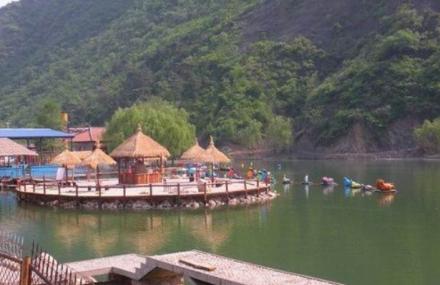 龙泉山游乐园