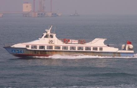 海上看青岛游船