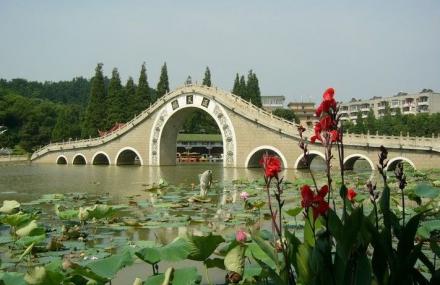 莲花山风景区